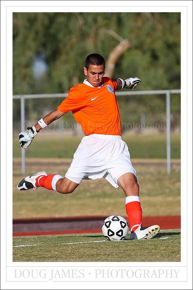 PHOENIX, AZ – OCTOBER 7, 2009:  The goalkeeper for the Pima Aztecs returns the ball to play.
