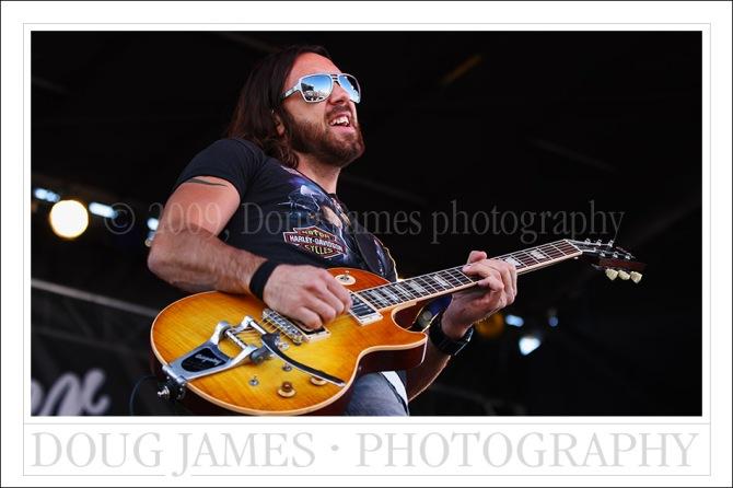 Lifehouse guitarist Ben Carey