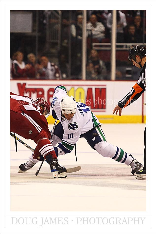 NHL: MAR 10 Canucks at Coyotes