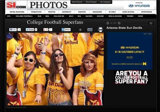 College Super fans